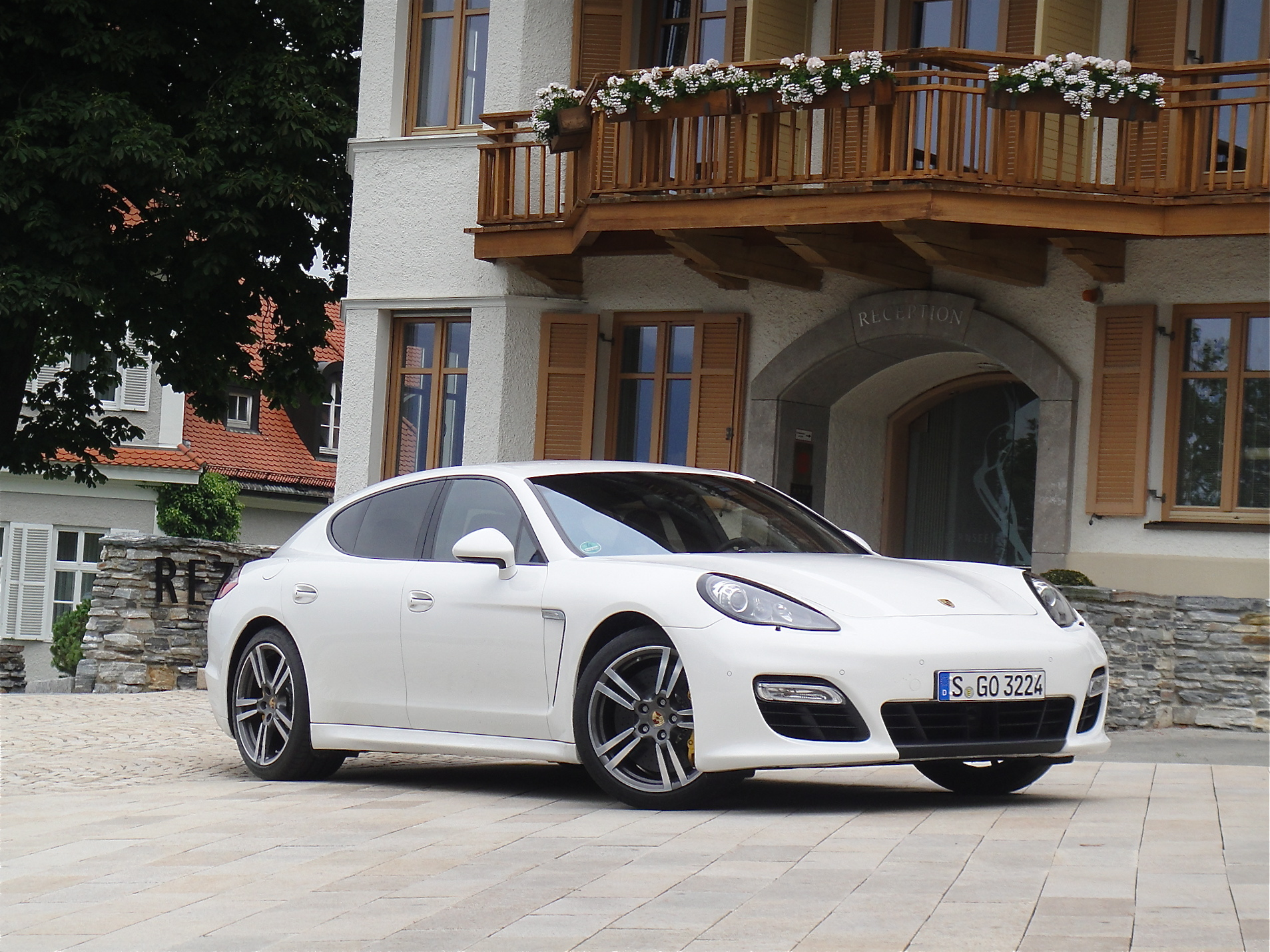first drive 2012 porsche panamera turbo s john leblanc. Black Bedroom Furniture Sets. Home Design Ideas