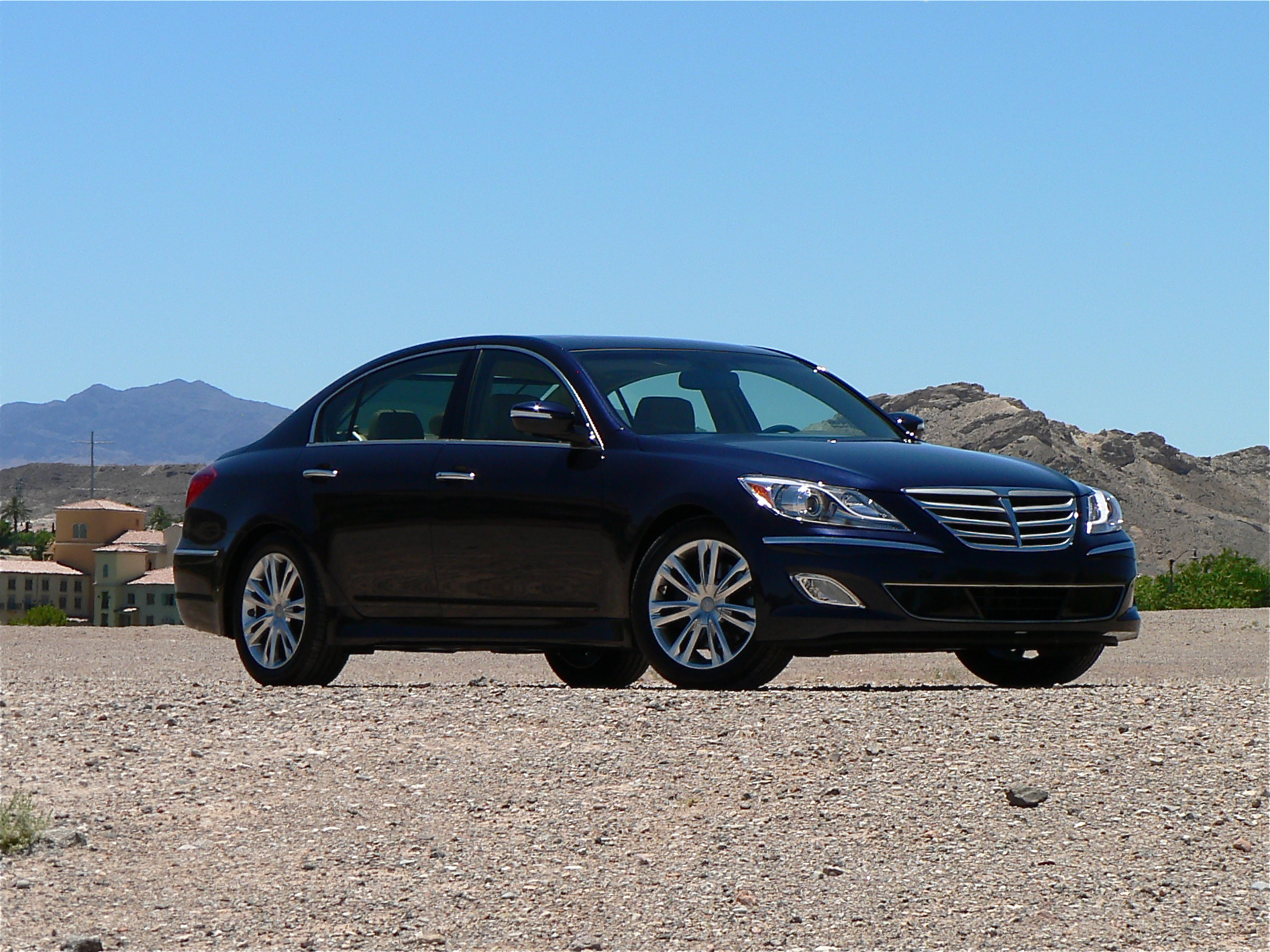 first drive 2012 hyundai genesis john leblanc 39 s straight six. Black Bedroom Furniture Sets. Home Design Ideas