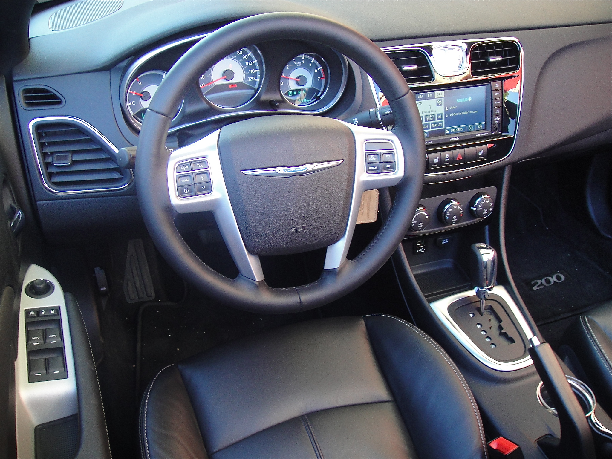 Dsc on 2012 Chrysler 200 Interior