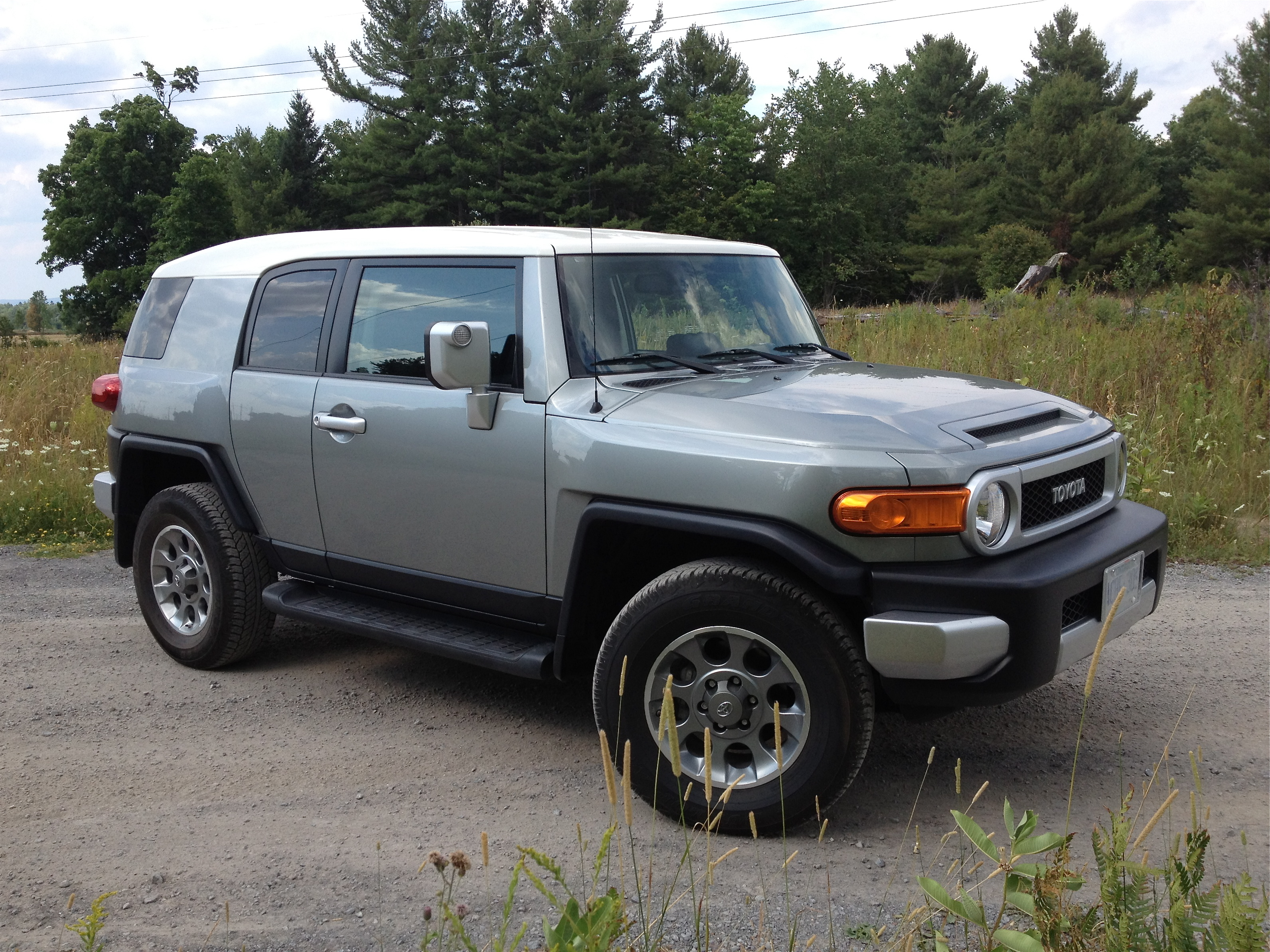 road test 2012 toyota fj cruiser john leblanc 39 s. Black Bedroom Furniture Sets. Home Design Ideas