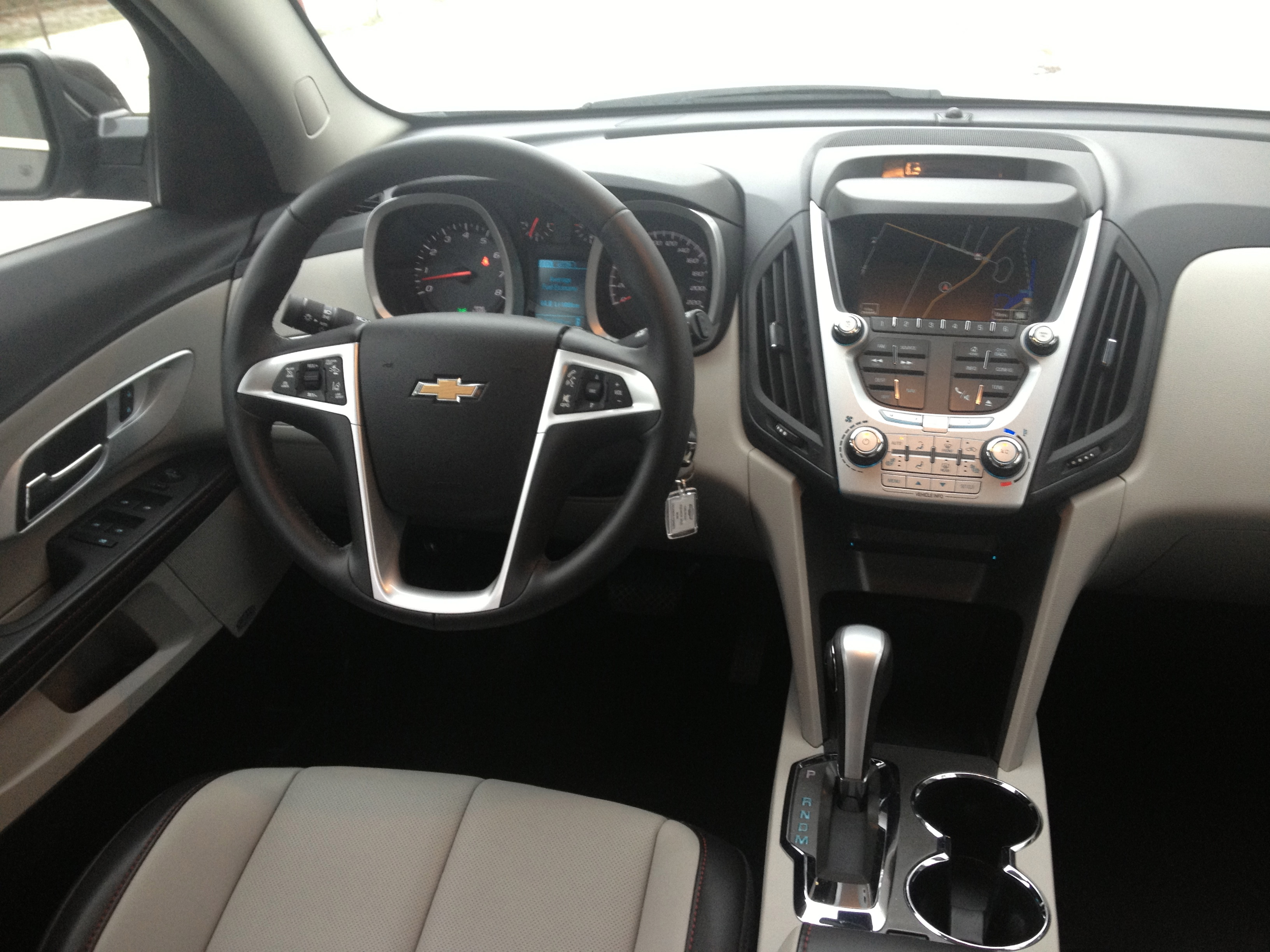 quick spin 2013 chevrolet equinox 2lt awd 3 6 john leblanc 39 s straight six. Black Bedroom Furniture Sets. Home Design Ideas