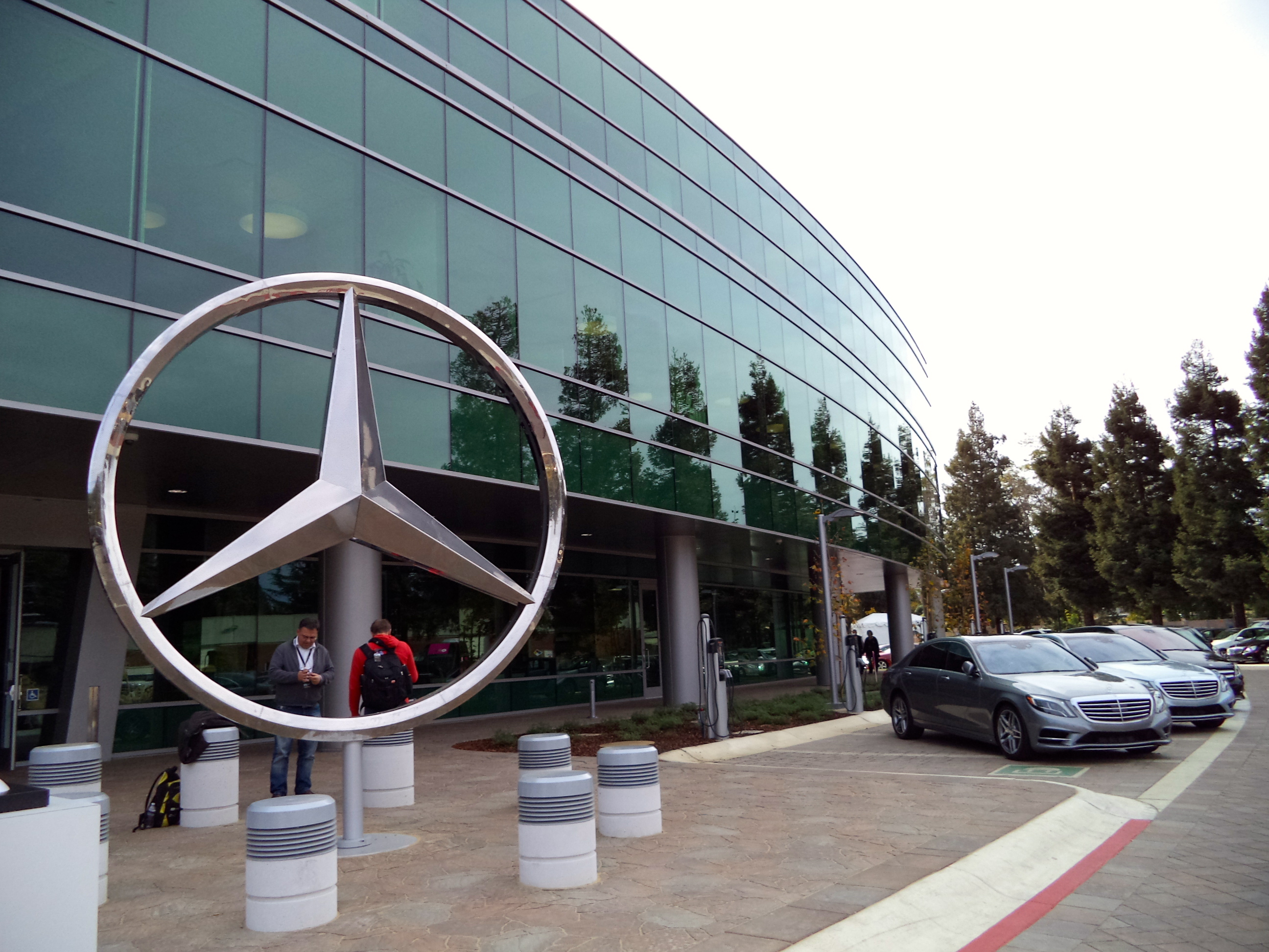 Feature germany s mercedes benz builds a new home in for Mercedes benz north america headquarters