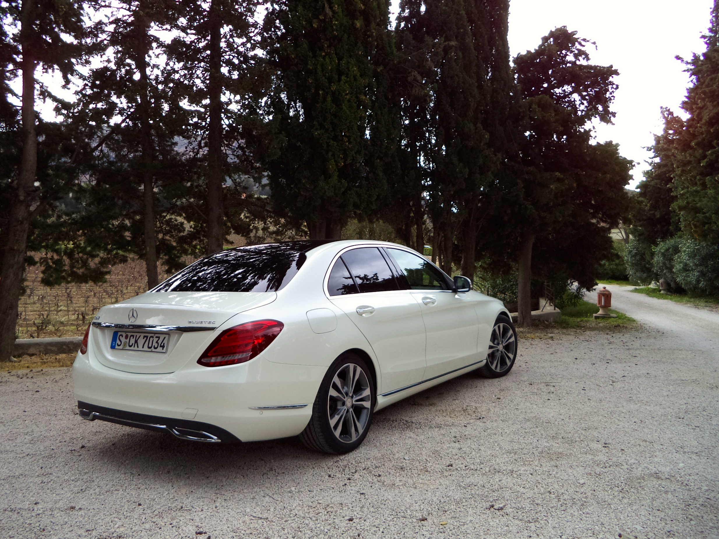 article autoweek main car benz notes mercedes sedan reviews review right