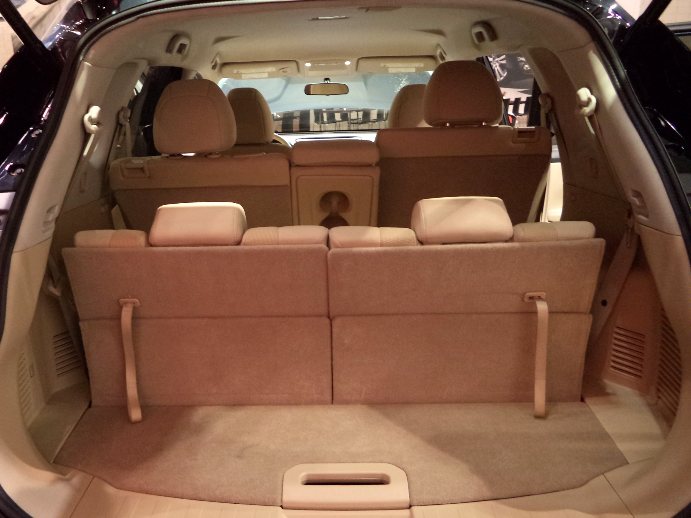 does a honda cr v have 3rd row seat. Black Bedroom Furniture Sets. Home Design Ideas